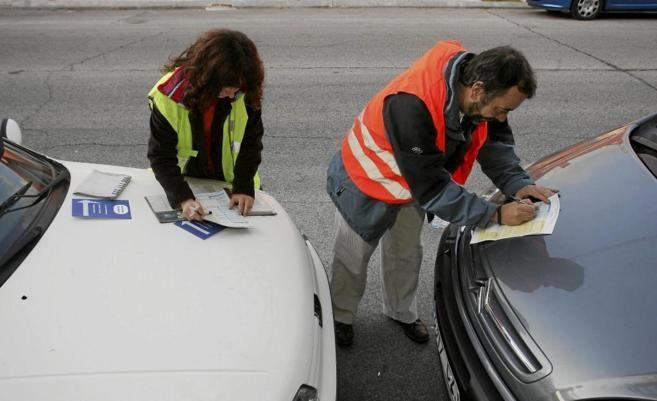 Solteros o casados, ¿Quién y por qué paga más por su seguro de coche?