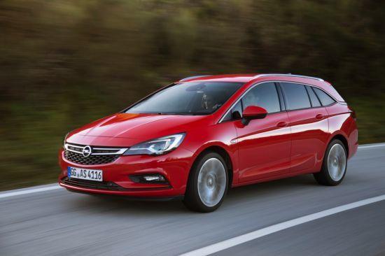 Los concesionarios Opel presentan el Astra Sports Tourer en Madrid Auto