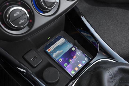 El Opel ADAM permite recargar los smartphones sin cables