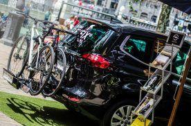 El portabicicletas Opel FlexFix muestra su potencial en el Triatlón de Vitoria