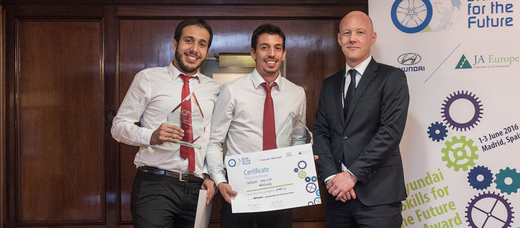 """Dos jóvenes españoles ganan la competición europea de emprendimiento """"Skills for the Future"""""""
