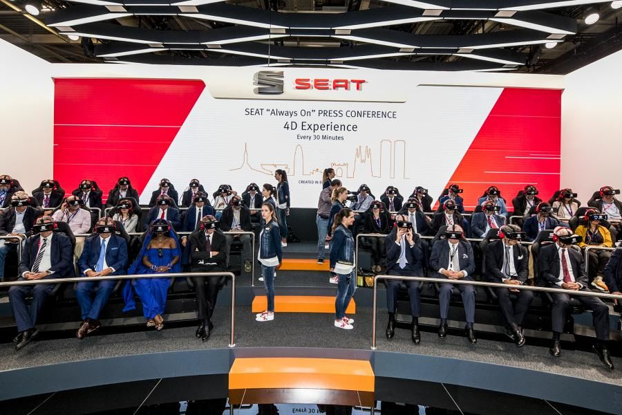 SEAT desvela en París la ofensiva de producto de 2017 y un estand tecnológicamente innovador