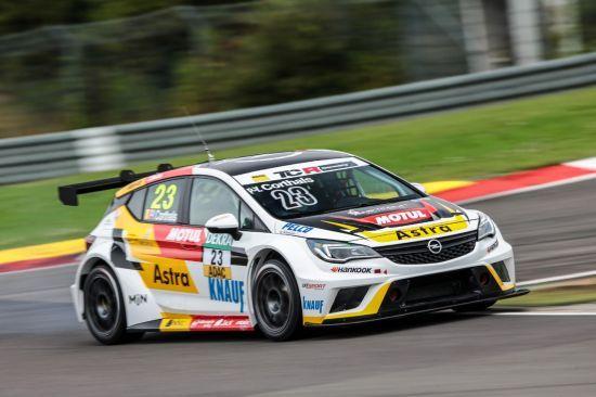 El Opel Astra TCR a punto para su segunda temporada