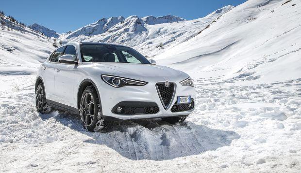 Prestaciones y eficiencia: Alfa Romeo Stelvio con dos nuevas motorizaciones