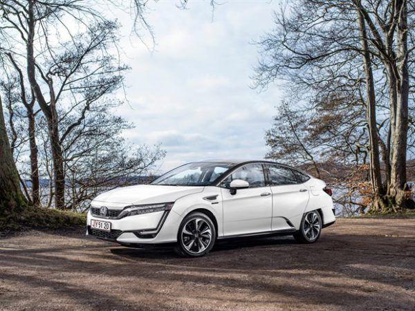 Honda Clarity Fuel Cell 2017, pura innovación con pila de combustible