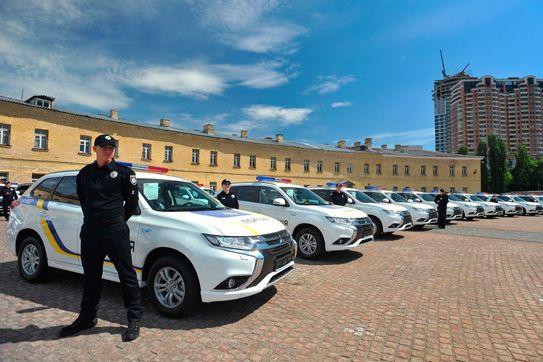 MITSUBISHI MOTORS ENTREGA 635 OUTLANDER PHEV A LA POLICÍA UCRANIANA
