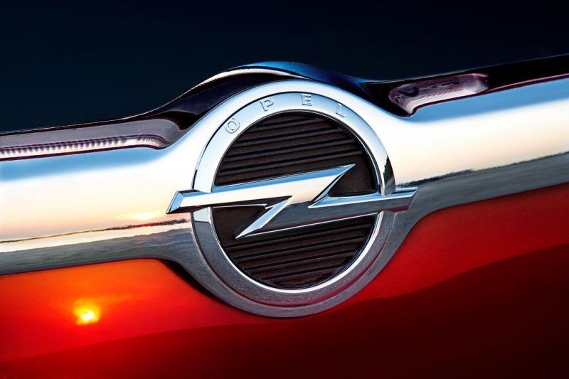 Opel asegurará más de 1.000 puestos de trabajo en España para 2015