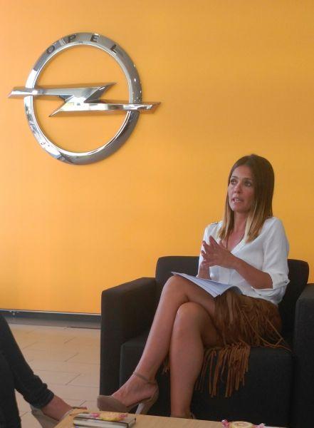 Luisa Vergara, célebre personal shopper de Granada, protagoniza un evento exclusivo de moda en las instalaciones de Autiberia.