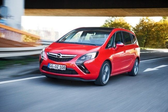 Opel Zafira Tourer con IntelliLink