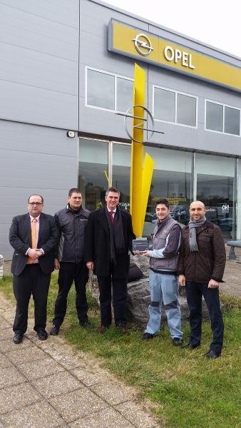 Premio al equipo de Posventa de Germotor por su buena gestión en la venta de recambios.