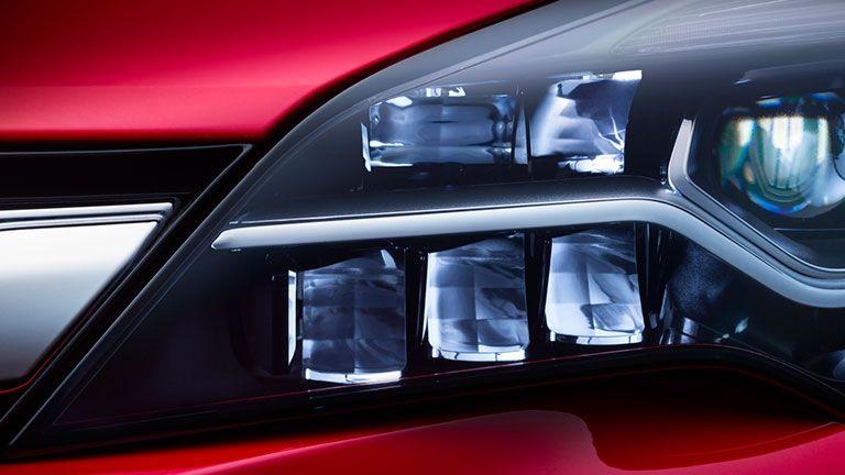 Nuevo Opel Astra con Iluminación IntelliLux LED®