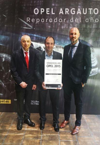 """ARGAUTO S.A, galardonado como """"Concesionario Reparador Opel del Año 2015"""""""