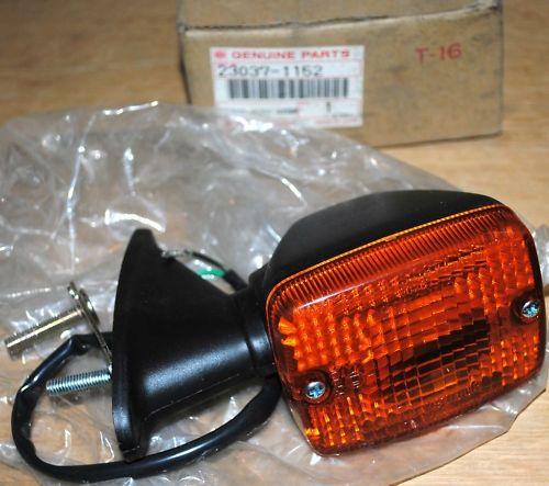 Intermitente delantero Kawasaki GPZ550 - Ref. 23037-1152