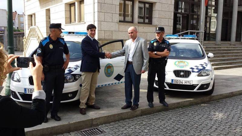 Entrega coches policia Concello Ames