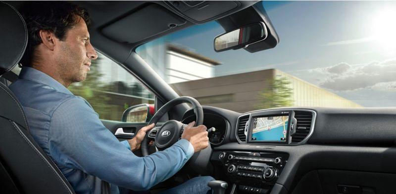 Cinco vicios al conducir que dañan tu coche