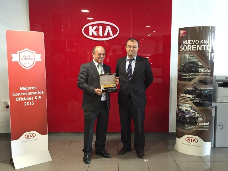 Talleres M. Gallego, premiado por Kia por la calidad de sus instalaciones, gestión y cumplimiento de estándares.