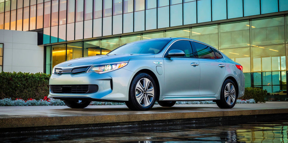 KIA OPTIMA PHEV. LA BERLINA ELÉCTRICA ENCHUFABLE DE KIA.