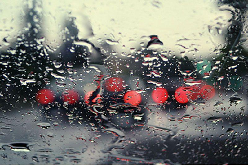 4 consejos para desempañar los cristales del coche