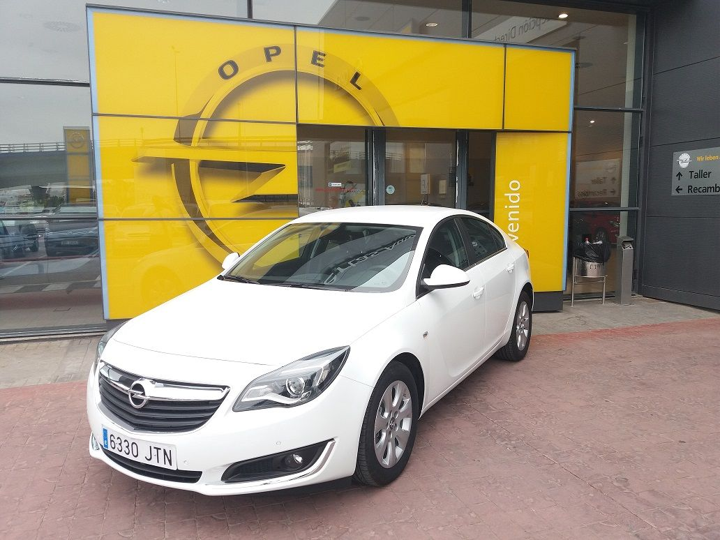 Opel Insignia 5p Selective 1.6 CDTI 120CV.