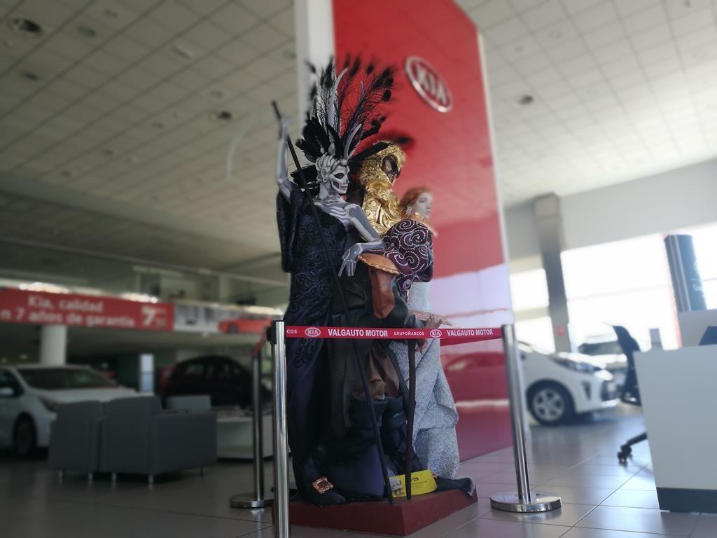 El Ninot adulto de la Hoguera Plaza La Viña en nuestras instalaciones de Alicante