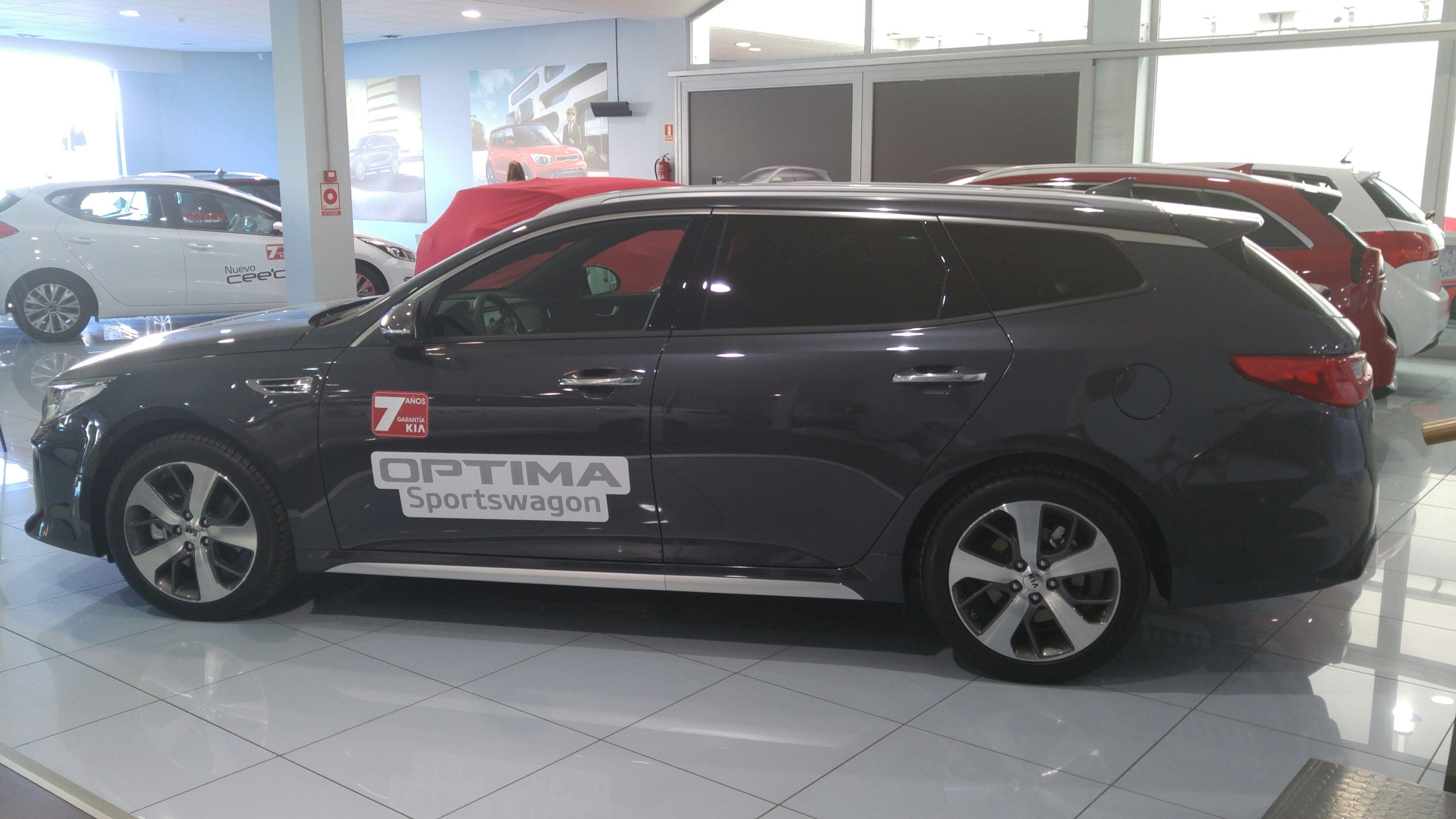 Kia Optima SW - Ahora la gama Optima en versión Sedan o SportWagon. Mas espacio, más confort, menos precio.
