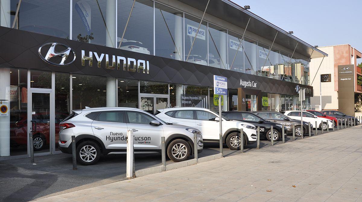 Hyundai Augusta Car renueva su imagen